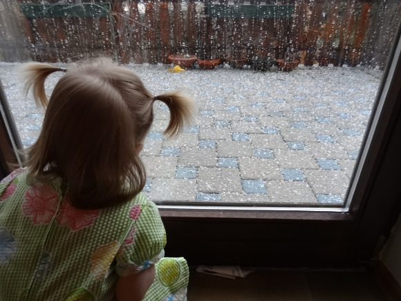 LE_hail-20130412