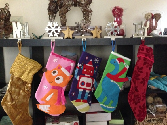 fam_xmas_stockings2014